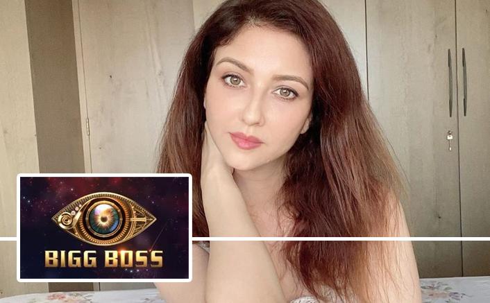 Bhabiji Ghar Par Hain Actor Saumya Tandon Is NOT Quitting The Show For Bigg Boss 14