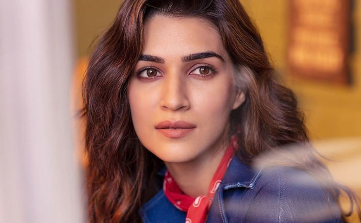 Kriti Sanon Has An On-Point Philosophy About Love & Hatred Amid These Tough Times, Read On!