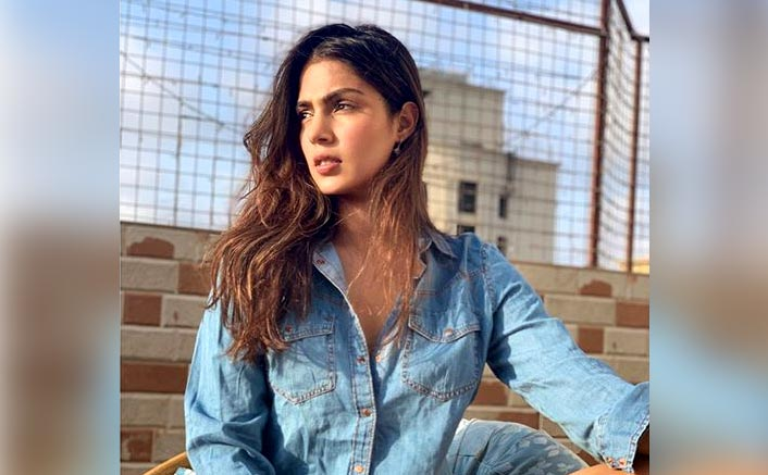 Rhea Chakraborty's Leaked Phone Number Belongs To A Man From Mumbai; He Gets Flooded With Hate & Threat Calls
