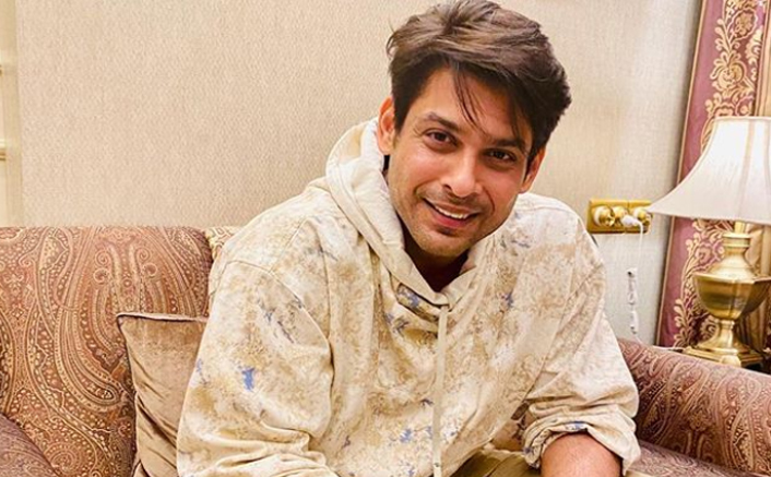 Sidharth Shukla's Gesture Towards A Fan's Ill Father Proves Why He's The Real 'Bigg Boss'