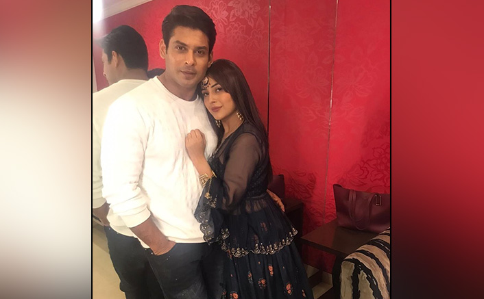 Sidharth Shukla & Shehnaaz Gill's Reaction Is Too Cute To Handle As SidNaaz Fans Request Them To Kiss, WATCH