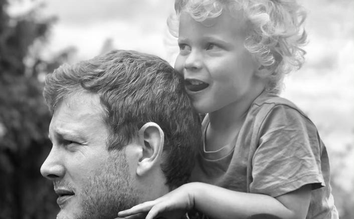 "Umbrella Academy's Tom Hopper: ""My Son Has Autism & He Amazes Me Every Day"""