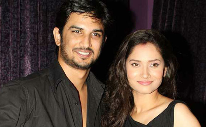 When Ankita Lokhande Comforted Sushant Singh Rajput Crying On Stage For His Late Mother!
