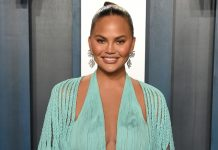 """Chrissy Teigen Gives EXPLOSIVE Details About Her Pregnancy Bleeding: """"Every Time I'd Go To The Bathroom, It Would Be Blood"""""""