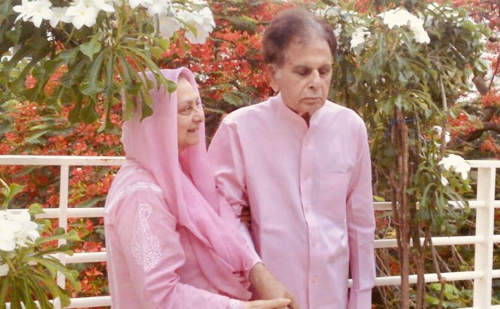 "Dilip Kumar & Saira Banu Are Twinning In Pink & We Can't Help But Scream, ""Couple Goals""!"