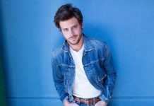 "François Arnaud Opens Up About His Sexuality, Says, ""I've Always Considered Myself Bisexual"""