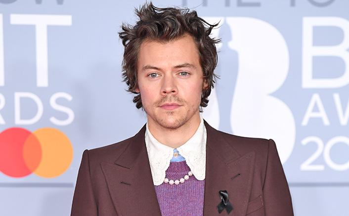 Harry Styles Runs Around Amalfi Coast With Flying Hair & We Order Alexa To Play 'Kuch Kuch Hota Hai'