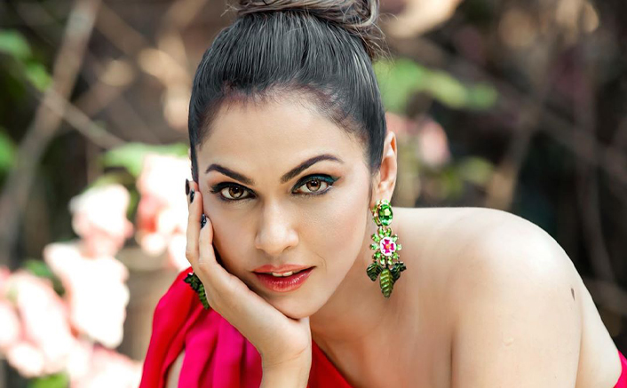 """Isha Koppikar On Nepotism: """"Father/Mother Would Call & The Starlet Would Get The Role"""""""