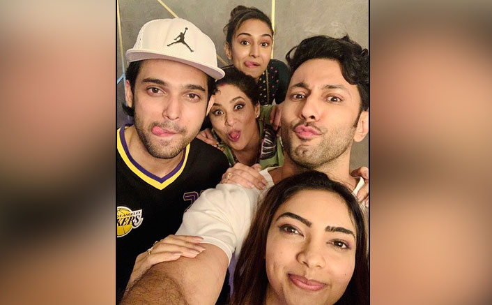 Kasautii Zindagii Kay 2 Parth Samthaan, Erica Fernandes & Team's Wrap-Up Pictures Will Leave Fans Teary-Eyed