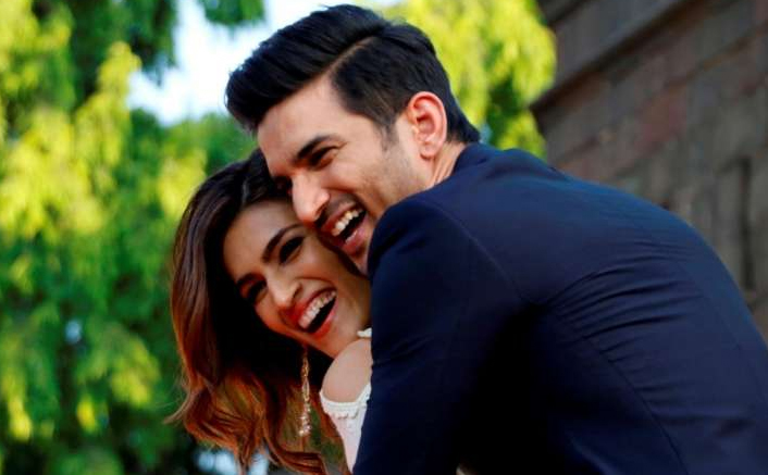 """Sushant Singh Rajput & Kriti Sanon Were Dating, Even If They Kept Denying,"" Claims Lizaa Malik"