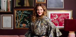 Never Been Kissed Star Drew Barrymore Recalls The moment She Flashed David Letterman On His ShowNever Been Kissed Star Drew Barrymore Recalls The moment She Flashed David Letterman On His Show