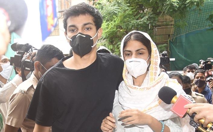 Sushant Singh Rajput News: Rhea Chakraborty & Showik's Bail Plea To Be Heard On September 10