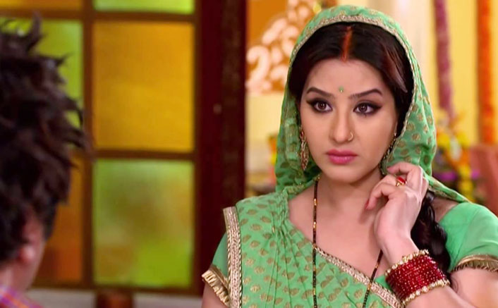 Shilpa Shinde Used To Get THIS Much Amount Per Episode For Bhabiji Ghar Par Hain!