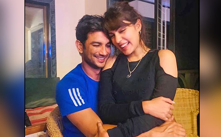 Sushant Singh Rajput Gave This BEAUTIFUL Gift To Rhea Chakraborty On Her Birthday & It's Pretty Thoughtful