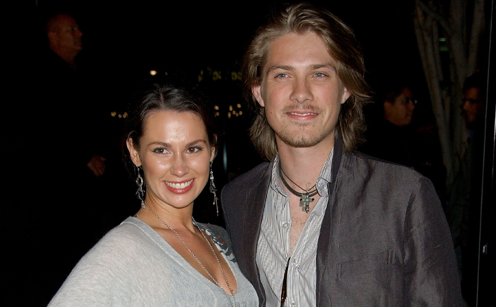 Taylor Hanson & Wife Natalie Expecting Their 7th Baby In December; Fans Shower Good Wishes!