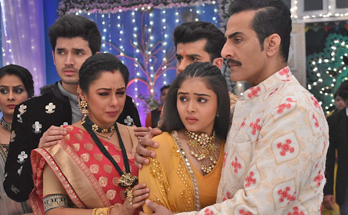 Anupamaa wins appreciation for saving Pakhi from the stalker, Vanraj thanks her