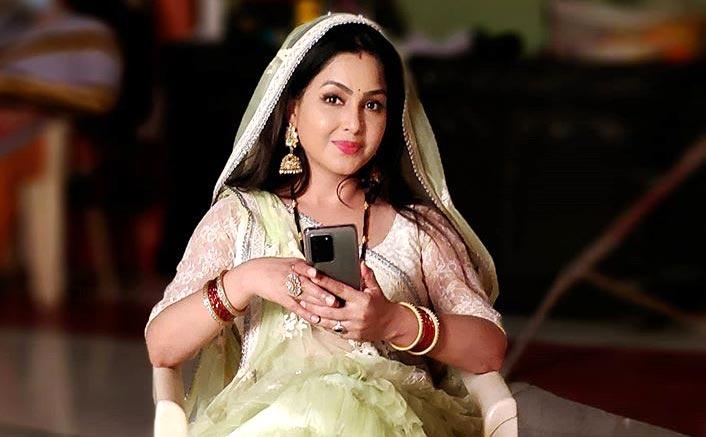 Bhabiji Ghar Par Hain To Face A Big Blow As Shubhangi Atre AKA Angoori's Hairdresser Tests COVID Positive?