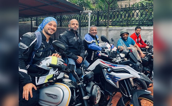 Kunal Kemmu, Arshad Warsi & Rohit Roy Put Out Their Riding Gears As They Head Out For A Ride(Pic credit: Instagram/khemster2)