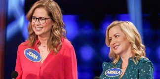 Celebrity Family Feud: The Office Ladies Jenna Fischer & Angela Kinsey Have A Blast – Pics Inside