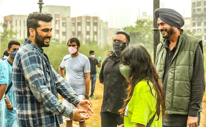 ' It feels great to be back on the sets again!' : says Arjun Kapoor, who is thrilled to resume shooting after he tested COVID-19 negative
