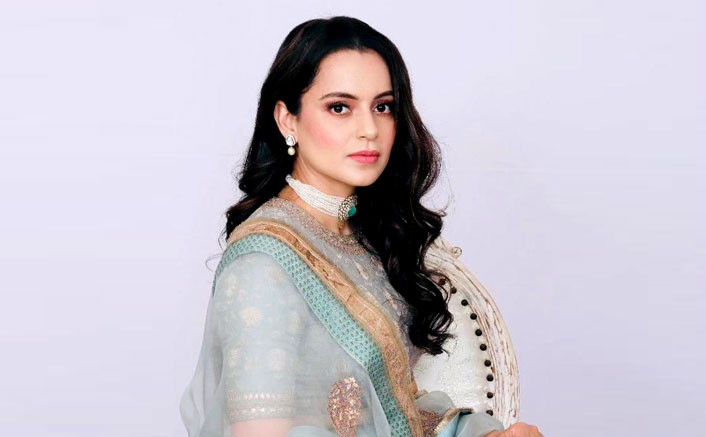 Kangana Ranaut In Pastel Lehenga Is A Sight To Behold As She Welcomes Cousin's Wife Home