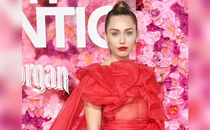 Miley Cyrus Gets Banned By China, Read What Went Wrong!