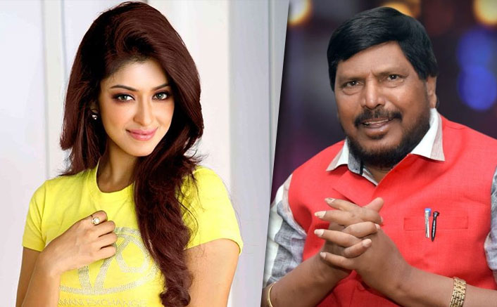 Payal Ghosh Who Accused Anurag Kashyap Of S*xual Misconduct Joins Ramdas Athawale's Party