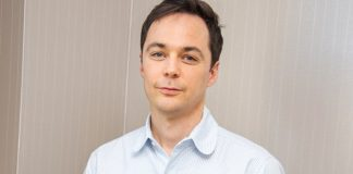 """The Big Bang Theory's Jim Parsons On Shaving Daily While Battling COVID: """"I Want To Look Like I'm Trying"""""""