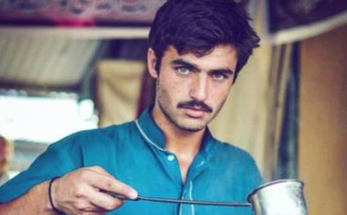 The Famous Chaiwala Arshad Khan From Pakistan Owns His Own Café In Islamabad Now, DEETS Inside