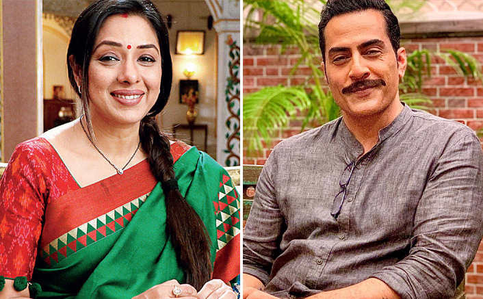 Rupali Ganguly & Anupamaa Star Cast Take Care Of Pregnant Dog On The Sets