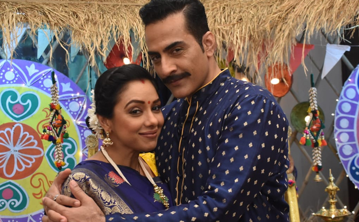 Anupamaa Actress Rupali Ganguly Co-Star Sudhanshu Pandey's Karwa Chauth Joke Goes Wrong! Read On