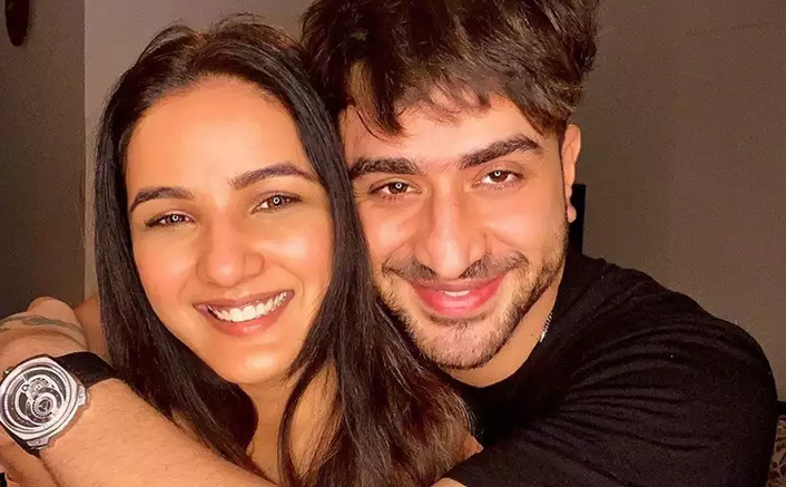 Jasmin Bhasin's Mother Reacts To Aly Goni Dating Rumours
