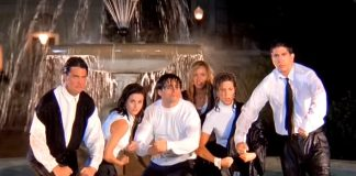 """FRIENDS: WHAT? Before """"I'll Be There For You"""", The Show Had Another Theme Song Planned!"""