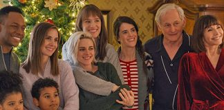 Kristen Stewart, Mackenzie Davis' Happiest Season's Reviews Are Out!