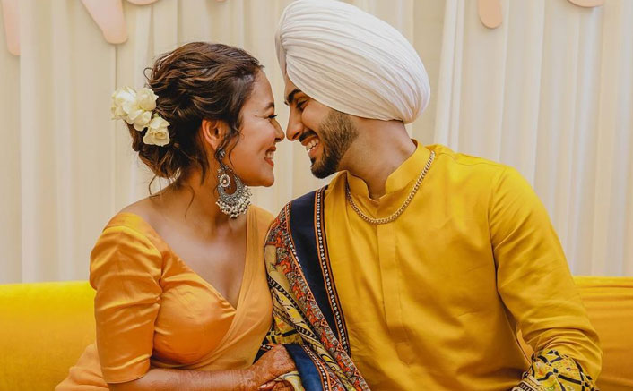 Neha Kakar & Rohanpreet Singh Are Having A Gala Time In Dubai, Their Kiss Is Proof(Pic credit: Instagram/nehakakkar)