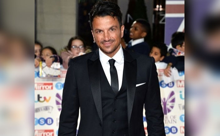 """Christmas Comes Early For Peter Andre! Singer Says, """"Everyone Needs A Bit Of Festive Cheer"""""""