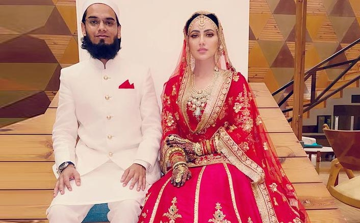 Sana Khan Shares First Picture With Hubby On Her Instagram!