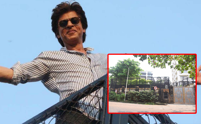 Shah Rukh Khan's Mannat Gates Are Not Flooded With Fans This Birthday, Courtesy Pandemic - PICS