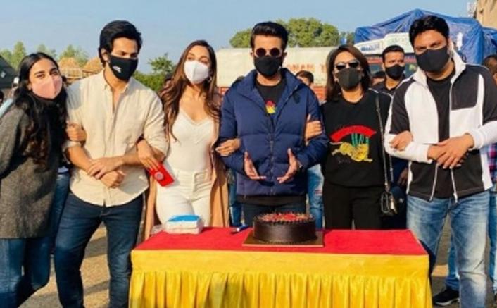 Anil Kapoor's birthday celebrated on 'Jug Jugg Jeeyo' set
