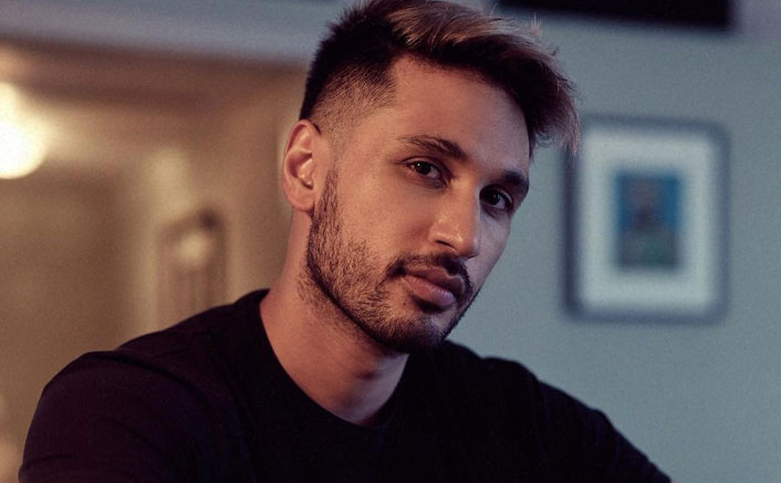 Arjun Kanungo on nostalgic trip in new song 'Statue'