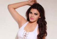 Breaking News: After gracing the cover of PlayBoy Magazine Sherlyn Chopra, became the first Indian Actress to join this platform for her fans : Read Below.