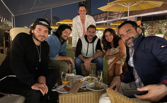 Alt txt- Divyendu Sharma, Ali Fazal & Other Mirzapur 2 Actors Assemble