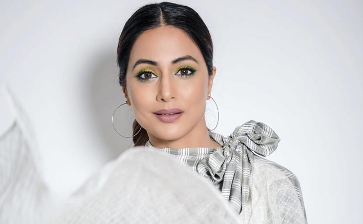 How Hina Khan Celebrated Christmas With Family In Kashmir