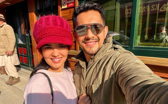 Aditya Narayan & Shweta Agarwal In Kashmir For Honeymoon
