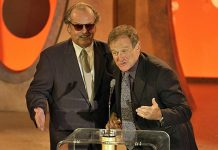 Jack Nicholson Once Appeared Baked On Stage To Accept An Award Asking Robin Williams To Give His Acceptance Speech