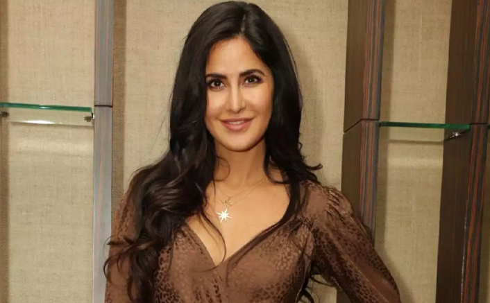 Katrina Kaif champions right to education (Lead)