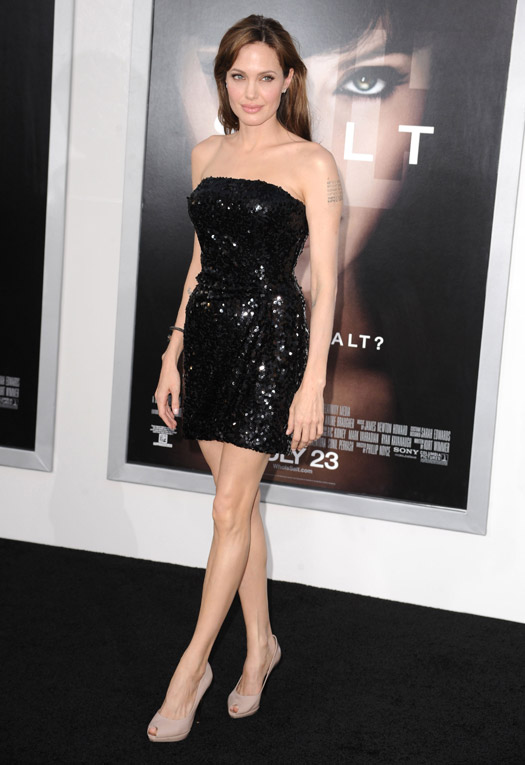 Scarlett Johansson, Anne Hathaway To Alexandra Daddario: Hollywood Actresses Who Redefined Hotness