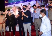 Akshay Kumar attends Mumbai Police event with Aaditya Thackeray, Anil Deshmukh