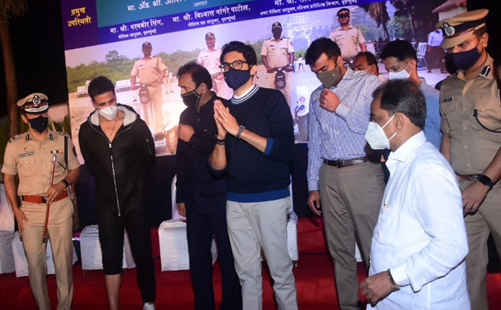 Akshay Kumar Shares A Stage With Aaditya Thackeray For A Police Event