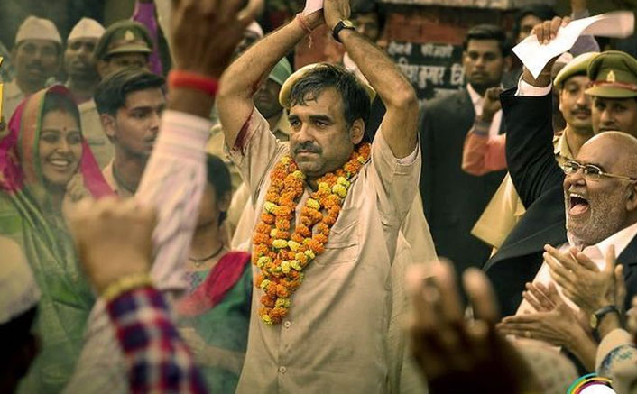 Kaagaz Movie Review Out! Pankaj Tripathi Is The 'Paper Weight' Holding The Story Together!